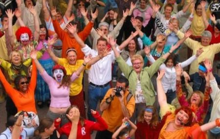 happyface_Laughter_Yoga_event_attractions