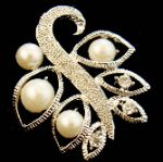 Modern White Gold Plated Pearl Crystal Pin Brooch 45Nis